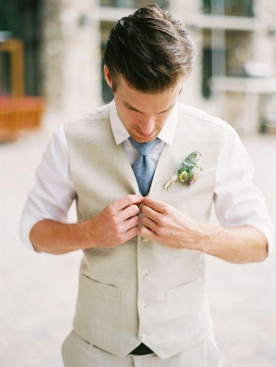 chaleco beige corbata casual fistol