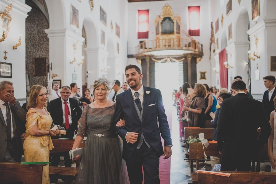 novio-clasico-iglesia