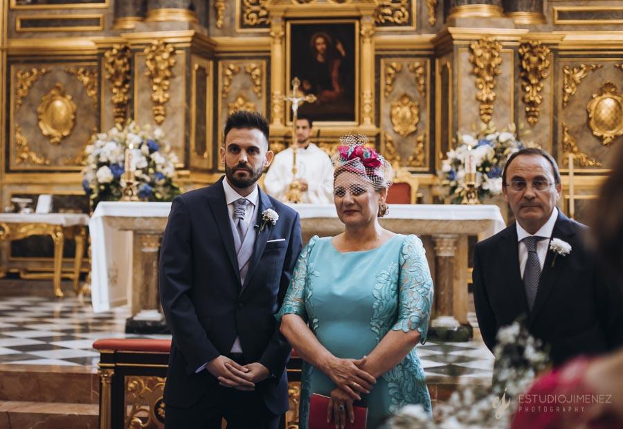 novio-mama-iglesia
