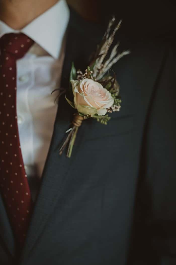 Traje de novio negro fistol flores casual