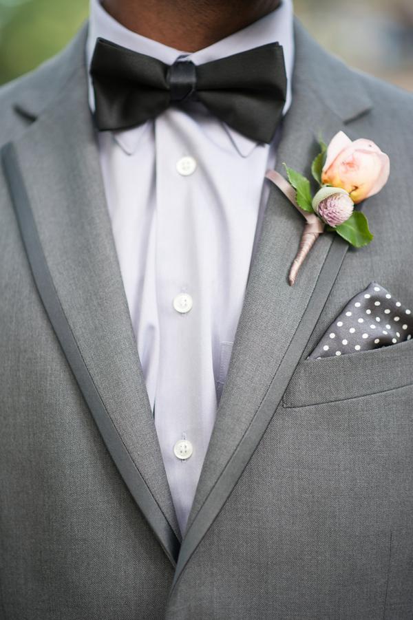 traje de novio gris moño pañuelo fistol formal