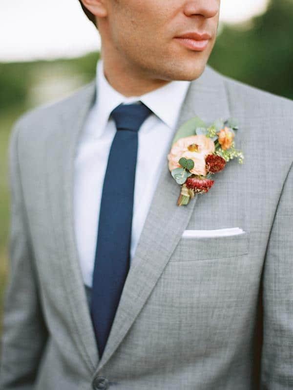 traje gris corbata fistol pañuelo casual