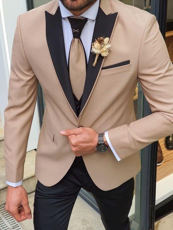 traje de novio beige negro